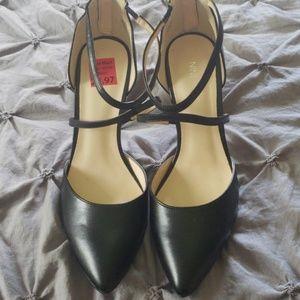 Never worn size 9 heel!